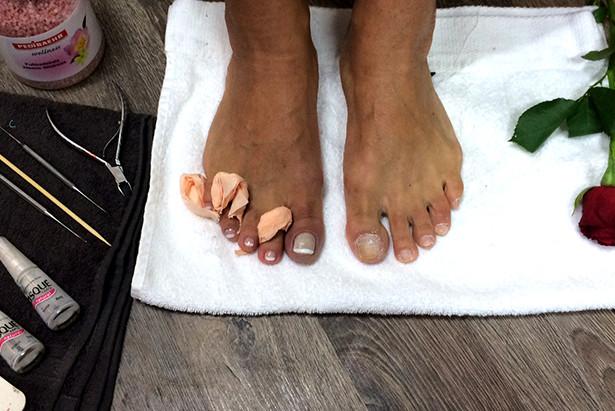 Velgørende fodpleje med brasiliansk manicure