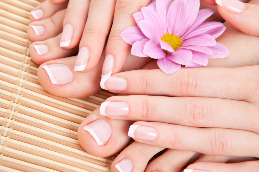 Manicure og kunstige negle