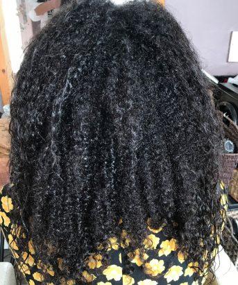 Krøller inden hårbehandling med Brasilian Blow Out