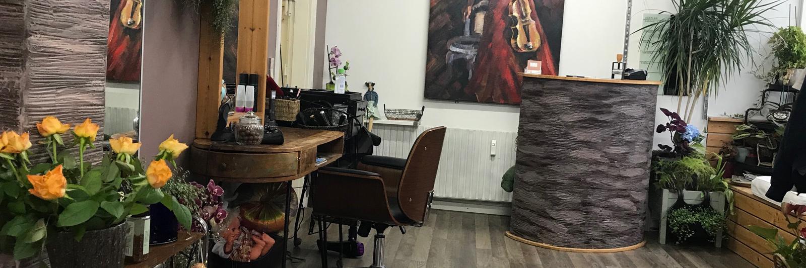 Multipleje Klinik er en skønhedsklinik og frisør i hyggelige omgivelser i Århus C